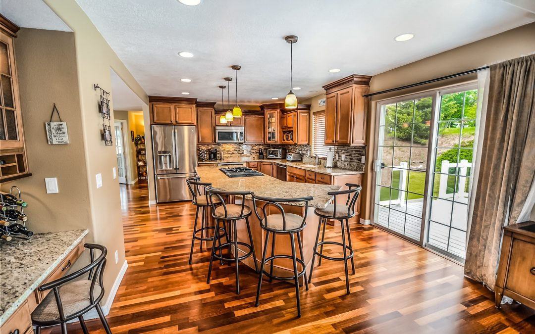 The Pros and Cons of Hardwood Flooring in a Kitchen